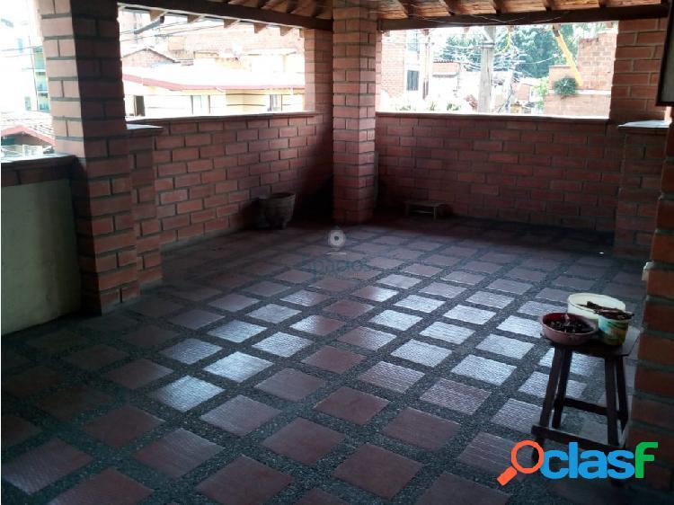 Casa en venta La Floresta, Medellin