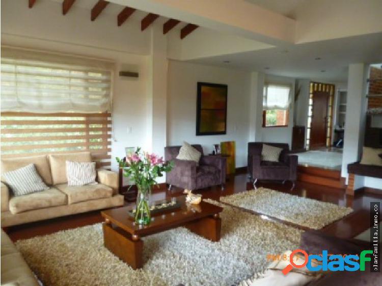 Hermosa Casa en chia hab en 1er piso