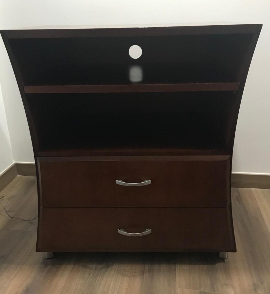 Mueble en madera, organizador, TV