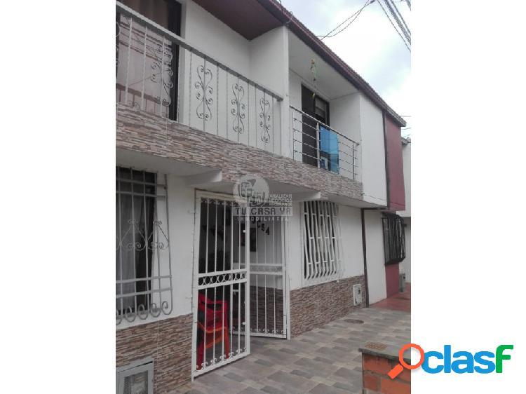 Se Vende Casa en Villa del Prado
