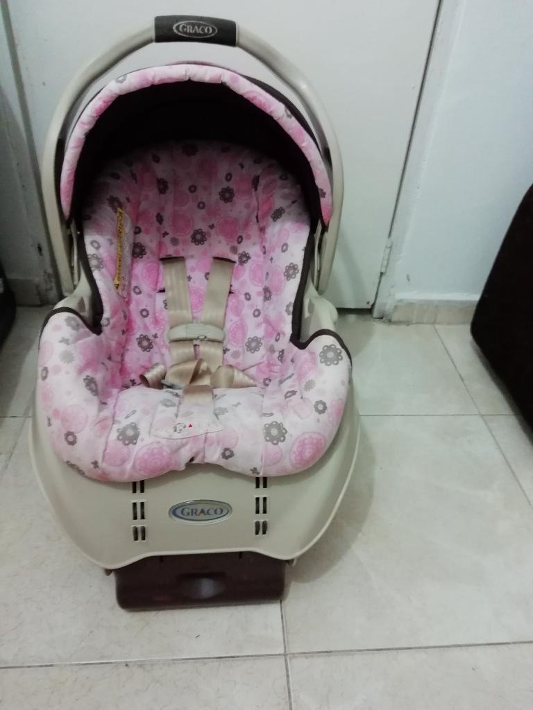Porta Bebe Graco con Base Carro