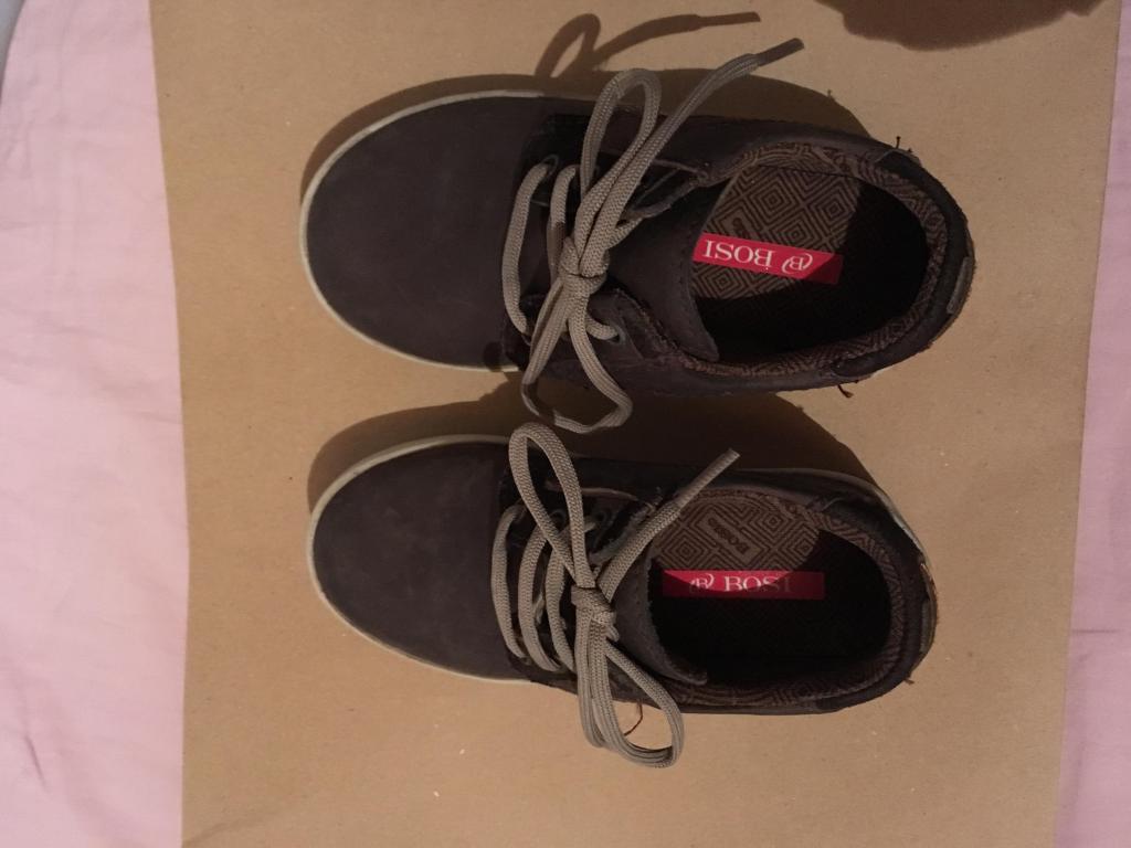 Zapatos cuero Bosi