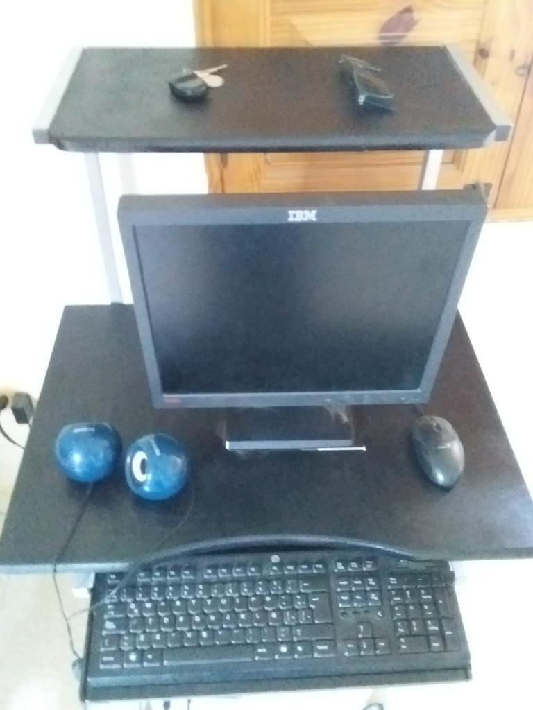 Vendo Computador Completo Y Mesa
