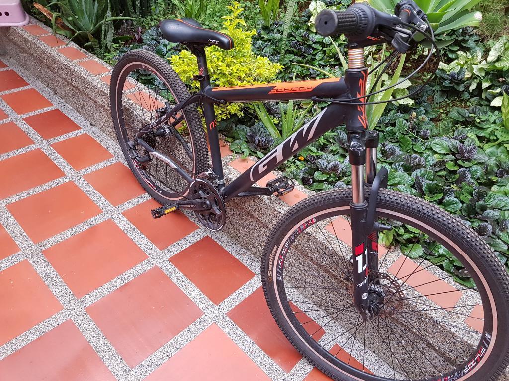 Bicicleta Gw Scorpion