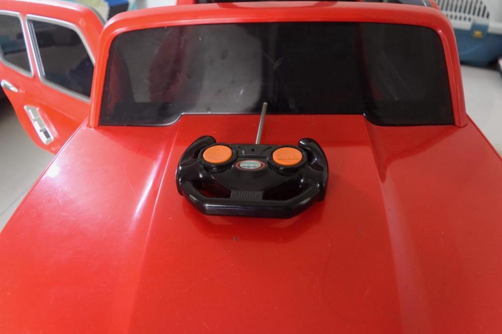 Carro de Juguete con control y pedal