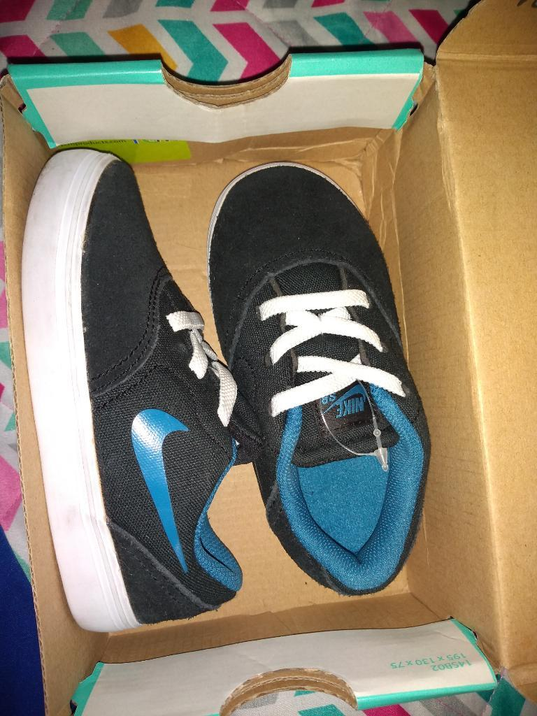 Tenis Nike para Niño Talla  Nuevos