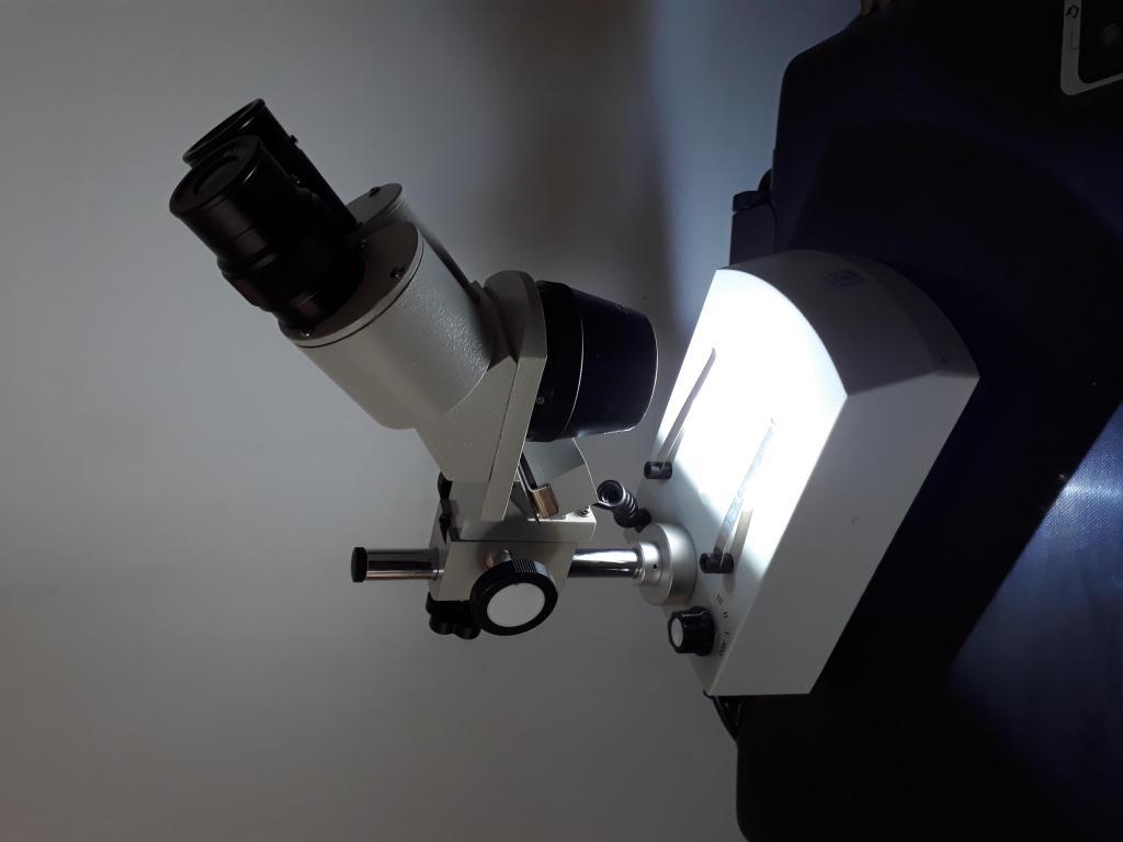 Estereomicroscopio Binocular 20X y 40X aumentos LED