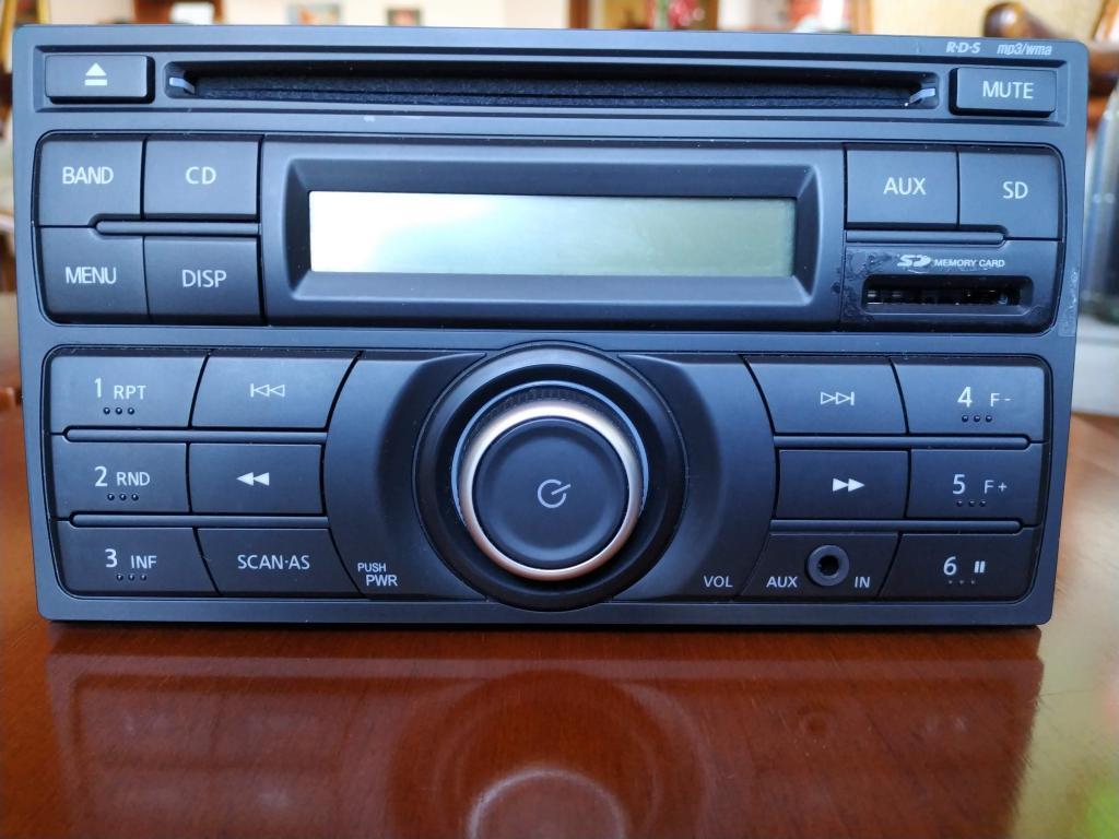 RADIO NISSAN MARCH ORIGINAL CON 4 PARLANTES