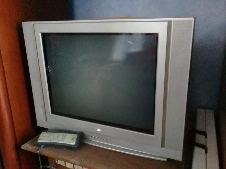 SE VENDE TV DE 21 PULG LG PARA REPUESTOS