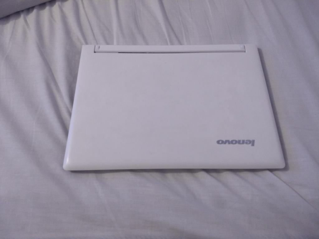 portatil lenovo ultrabook core 7 pantalla táctil 4 gb y una