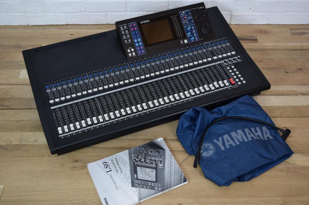 Consola Y.A.M.A.H.A. Mixer.L.s.9..3.2.