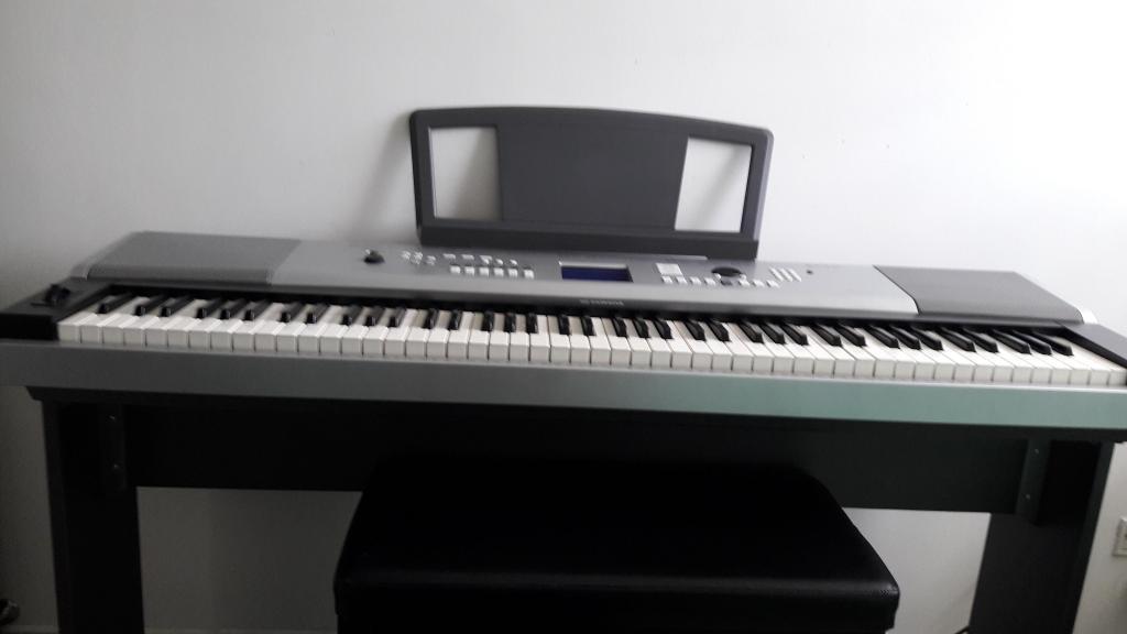 piano digital yamaha p105 posot class. Black Bedroom Furniture Sets. Home Design Ideas