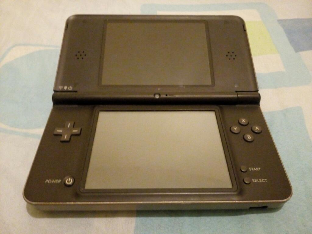 Nintendo Ds Xl con R4 Y Memoria, Garanti