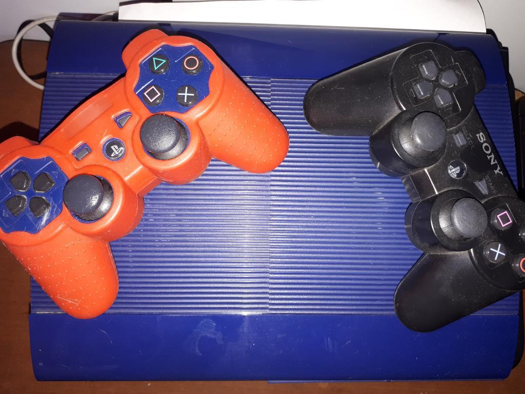 Play 3 Super Slim Azul, 250gb 2 Control