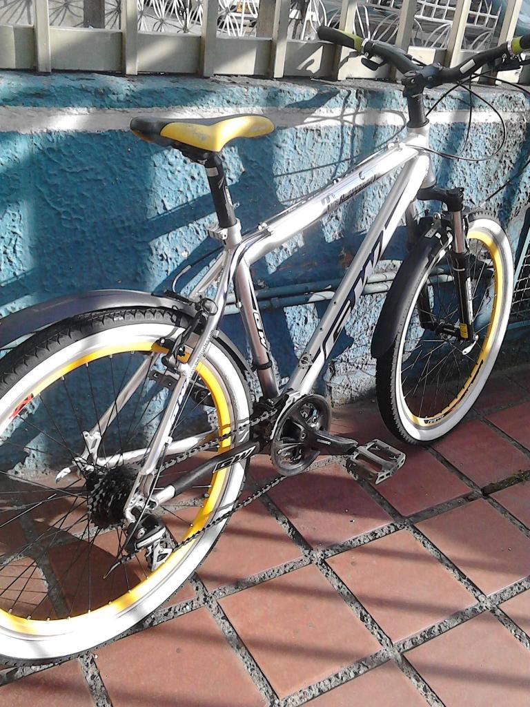 Cicla todoterreno barata GW marco en aluminio, rin 26