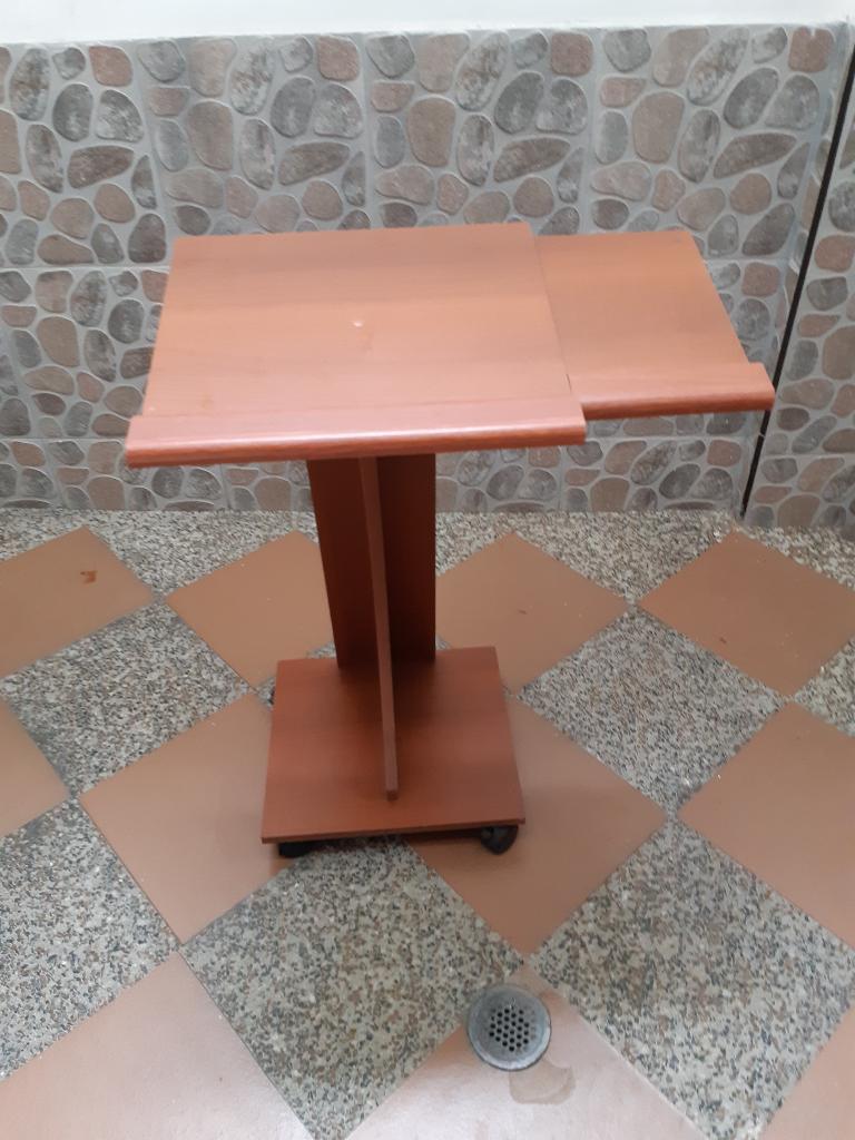 Vendo Mesa para Portátil Y Repisa