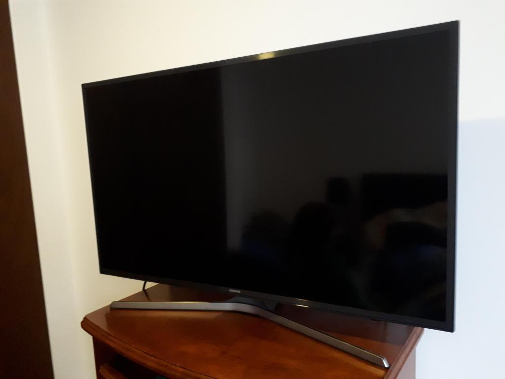 43 UHD 4K Smart TV MU Series 6