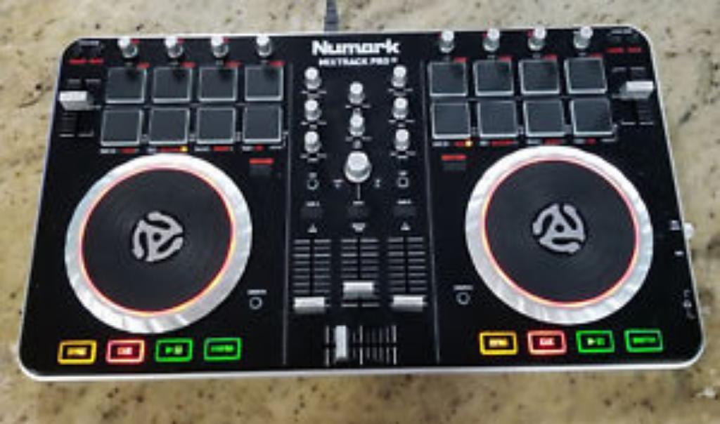 Controlador Dj Numark Mixtrack Pro2