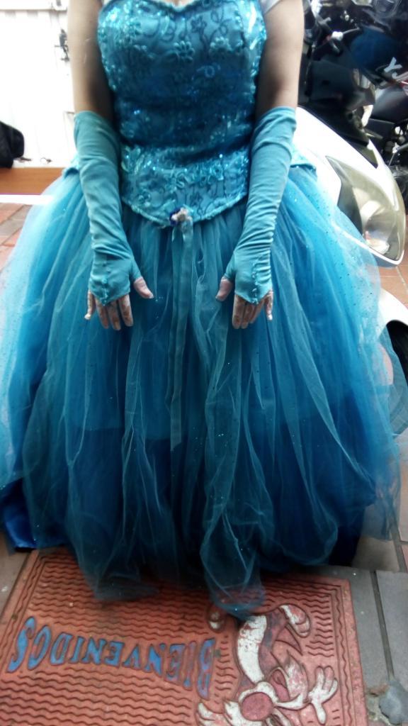 Regalo 2 vestidos de 15 años