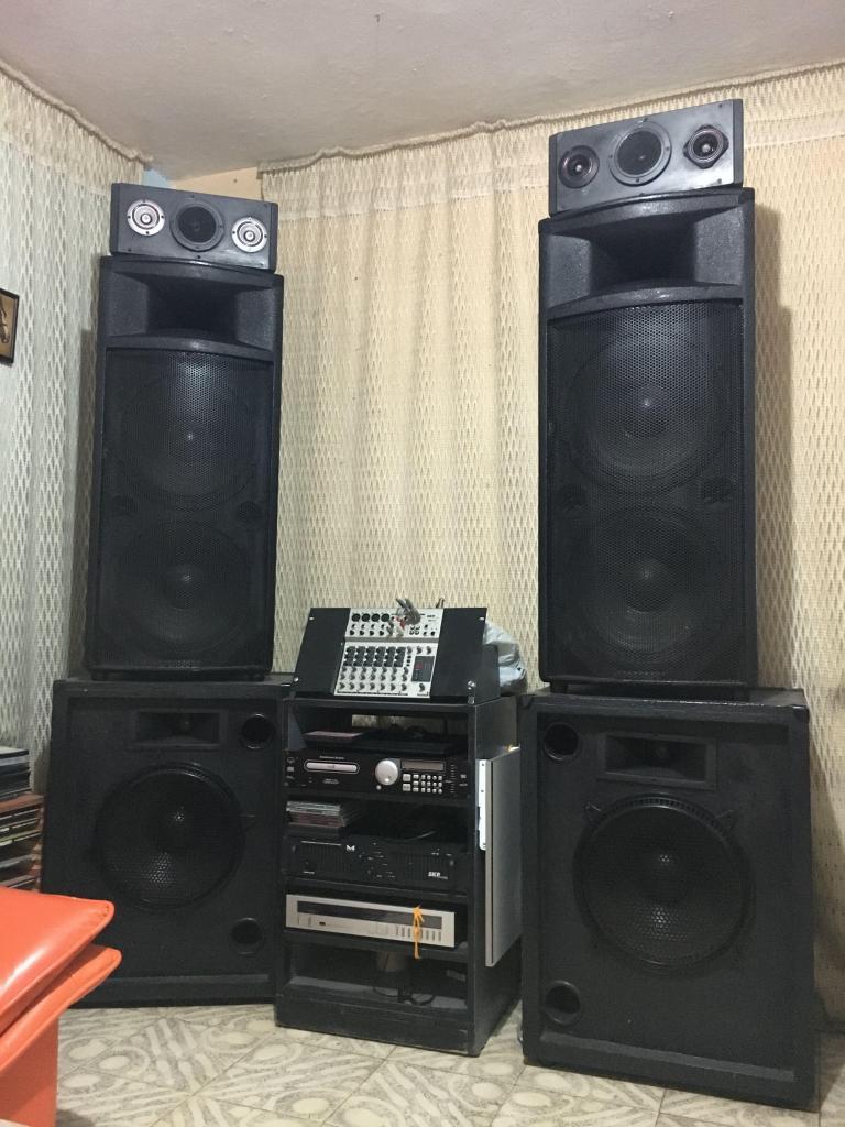 Se vende equipo de sonido en 3,5 millones **negociables**