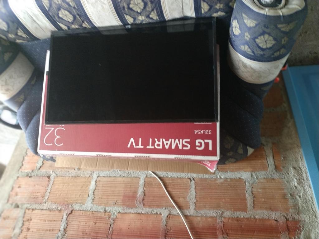 Tv LG Smart TV 32 4k para repuestos