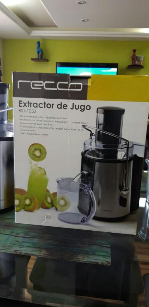 Extractor de Jugo Recco 500 W.