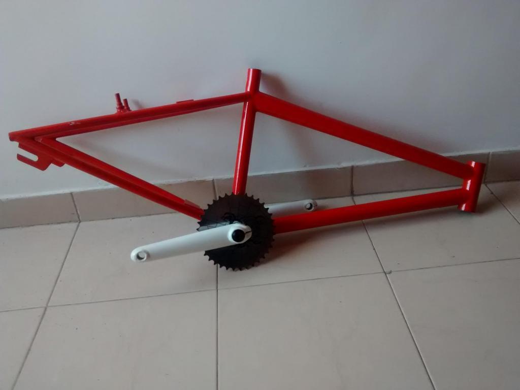 vendo marco de bicicleta en buen uso y estado junto con