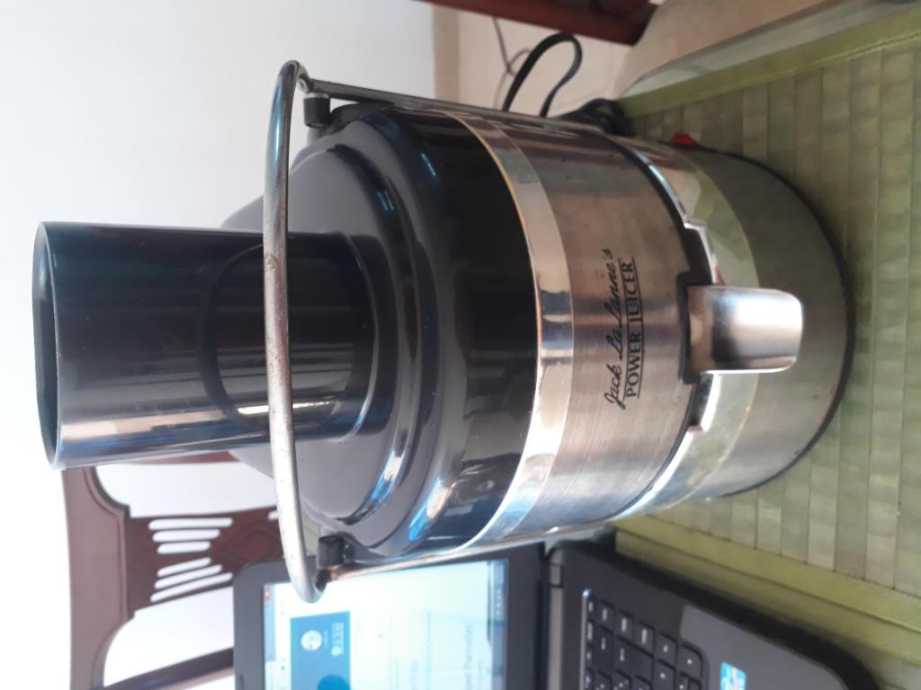 Extractor de jugos POWER JUICER usado