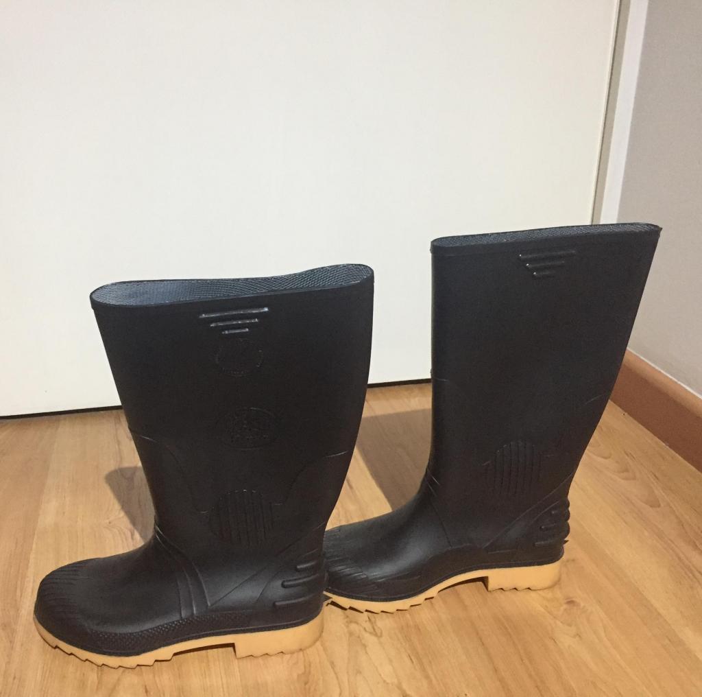 Botas de caucho negras nuevas Talla 37