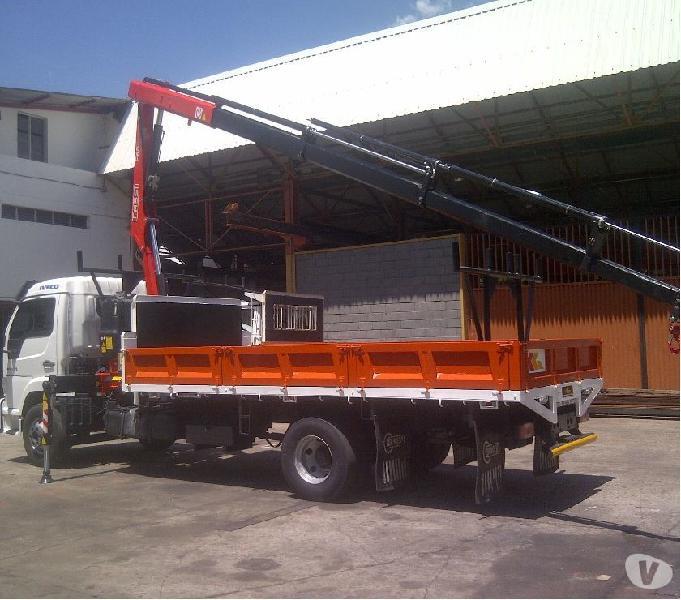 Camion Iveco Vertis + grua Fassi