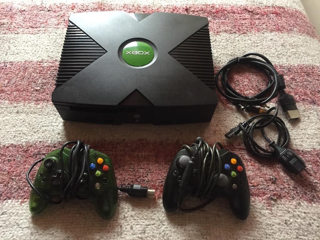 Xbox Clasico con Dos Controles
