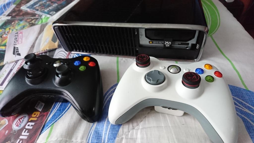 Vendo o Cambio Xbox 360 Slim 3.0 Disco Duro Microsoft 250GB