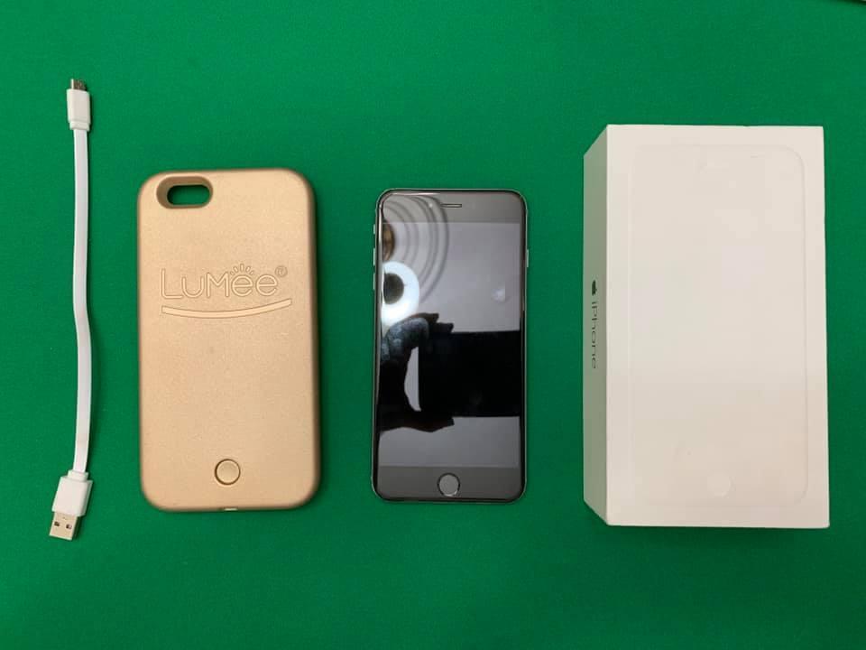 Iphone 6 Plus de 16 GB Negro y Forro para selfies con luz