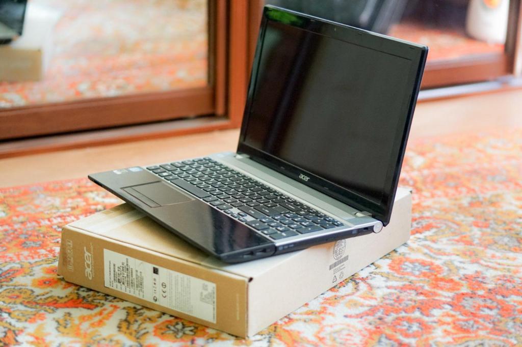 Acer VG Core iQM / Nvidia 710m 2 gb / RAM 8 gb /