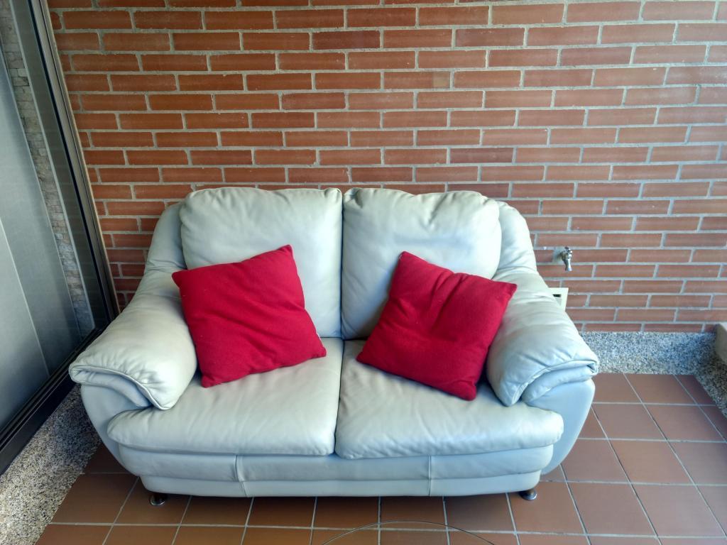 Juego de muebles de cuero para sala beige excelente estado