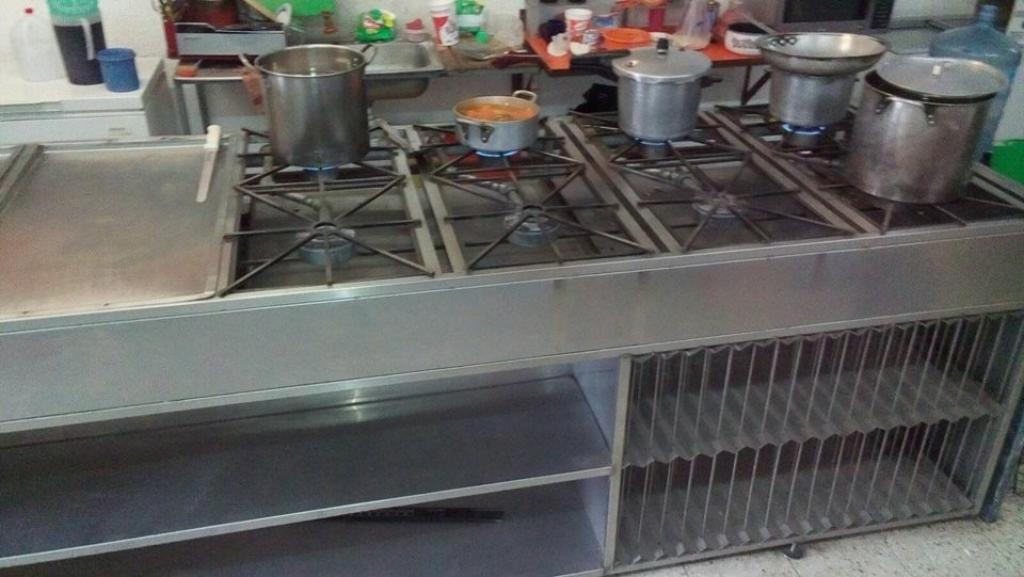 Vendo Estufa para Restaurante.