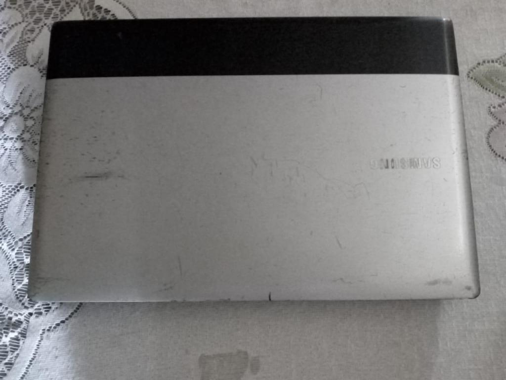 Se vende Laptop Samsung NpRv415l para repuesto.