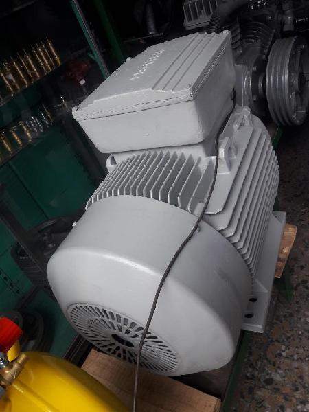 Motor de 35 Hp a 1700 R P M Marca Simens