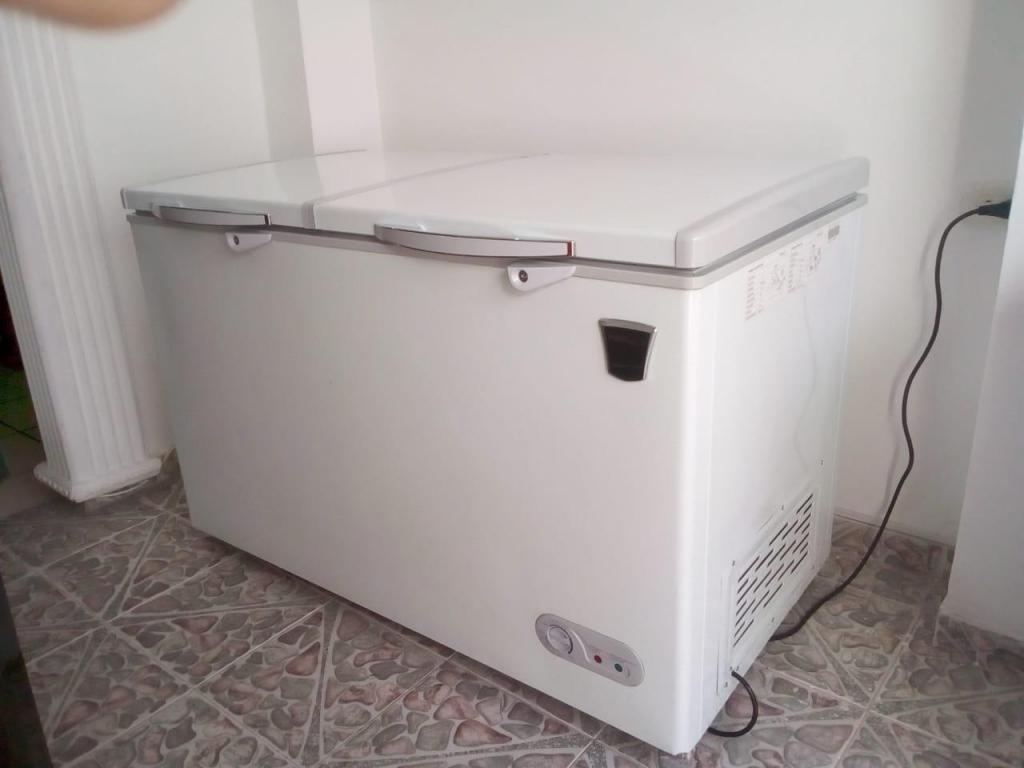 Congelador Horizontal 2 puertas 300 lts