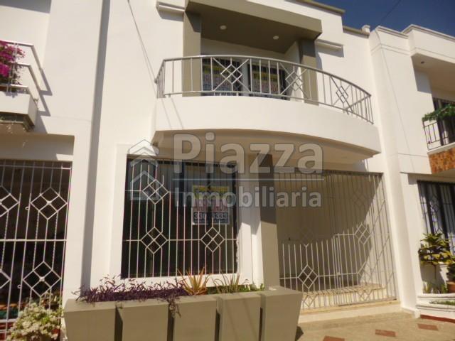 Casa en Arriendo en el barrio El Poblado Recién Remodelada