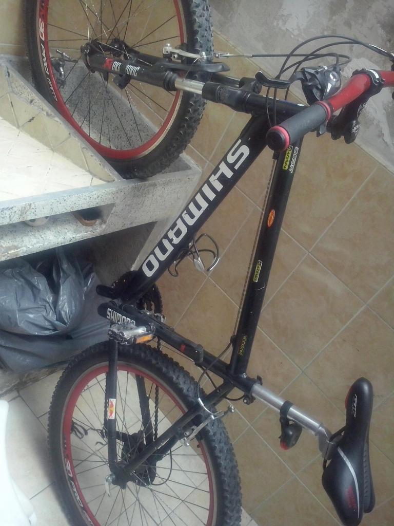 Motivo viaje vendo bicicleta en aluminio
