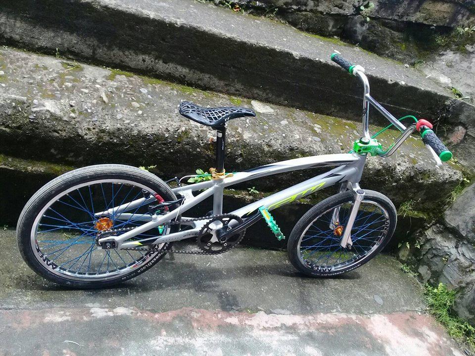 Vendo Bicicleta GW elite  en aluminio O cambio a otro