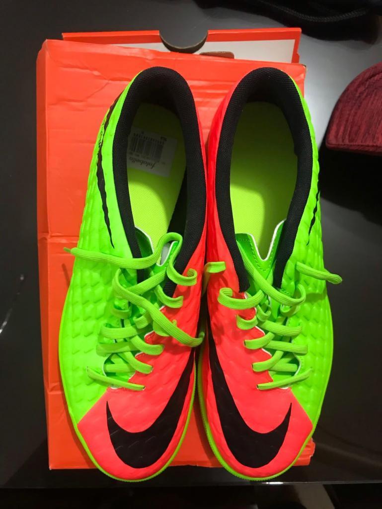 Guayos Fútbol Nike Hypervenom sintética