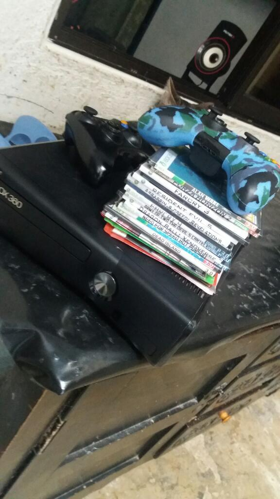 Xbox360 con Dos Controles Y Peliculas