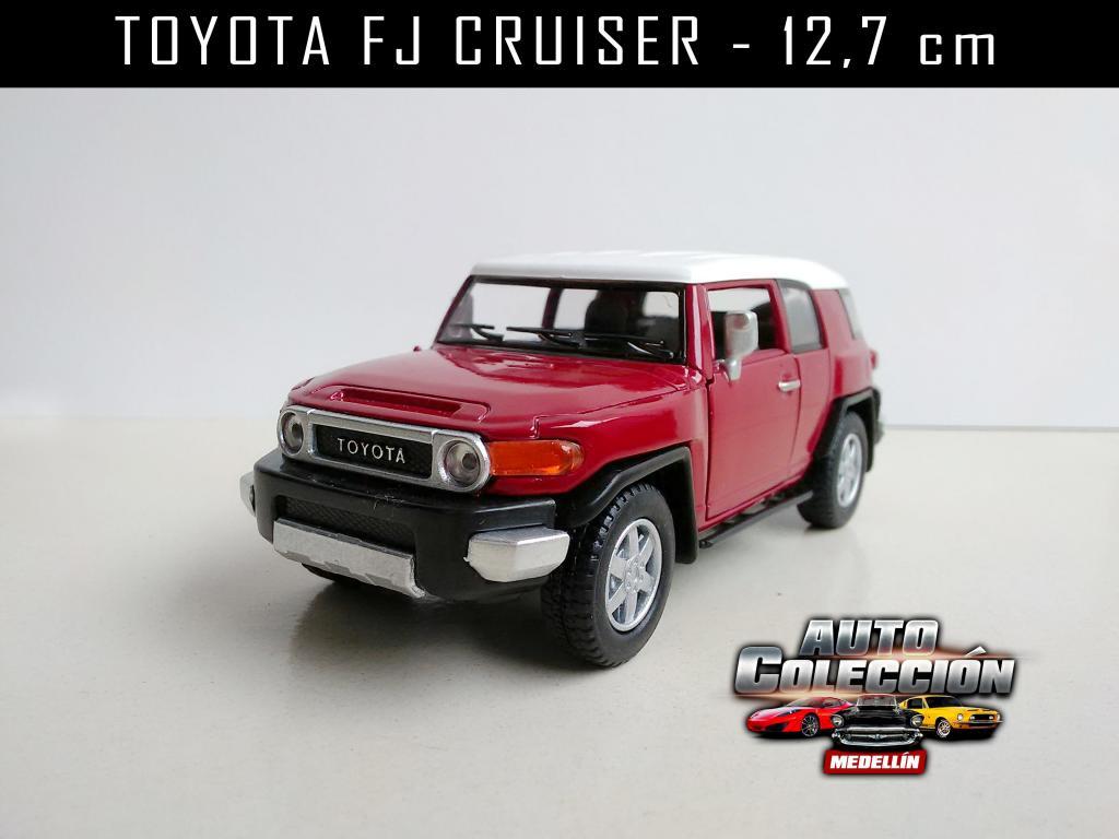 Auto de Colección TOYOTA FJ Cruiser Escala  cm