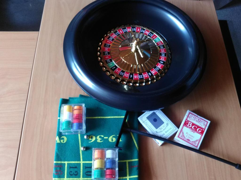 ruleta 30 cms con accesorios nueva