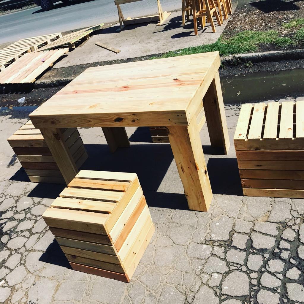 Muebles en estibas dise os palets reciclar posot class for Almacenes de muebles en bogota 12 de octubre