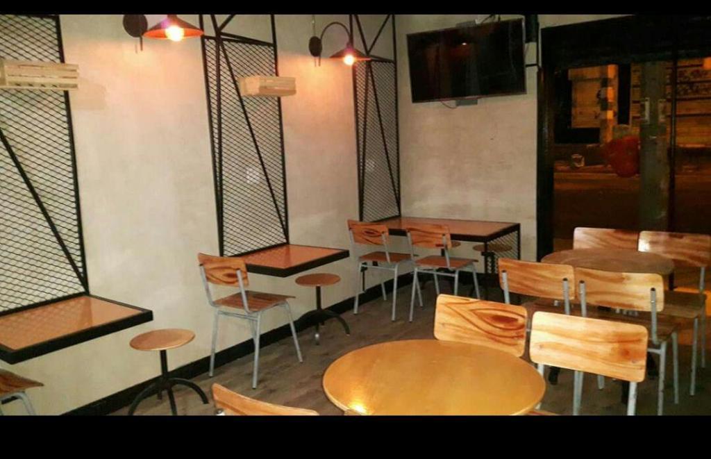 Remate de Mobiliario Bar O Restaurante