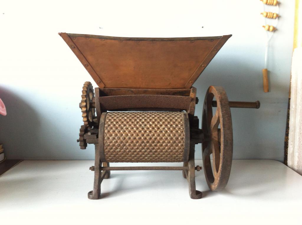 Despulpadora de café antigua