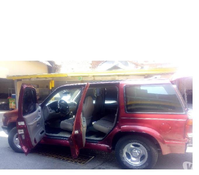 Vendo Camioneta Ford Explorer XLT Modelo 98